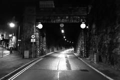 Caernarfon liw nos (Rhisiart Hincks) Tags: night noche nuit nos noz gau oidhche oíche caernarfon gwynedd tunnel tunel twnel riboul tollán tunail blackandwhite bw blancoynegro monochrome blackwhite zwartwit blancinegre blancetnoir duagwyn zuribeltz dubhagusbán sortoghvid gwennhadu unlliw juodairbalta μαύροκαιάσπρο feketeésfehér dubhagusgeal wales europa europe cymru eu gales wallis ue galles 威爾斯 ewrop kembre anbhreatainbheag kimrio uels kembra 威尔士 웨일즈 valbretland aneoraip велс a'chuimrigh eòrpa