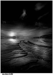 Vers la Mer.... (jmfaure29) Tags: jmfaure29 mer monochrome nature nuages nb canon finistère clouds ciel bretagne beach paysage plage sigma sky seascape sea