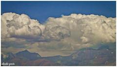 Sobre la cordillera / Over the mountain range (Claudio Andrés García) Tags: nubes clouds cielo sky skyscape naturaleza nature primavera spring fotografía photography shot picture cybershot flickr