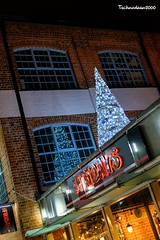 TGI Fridays Christmas (technodean2000) Tags: tgi fridays christmas gloucester quays night tree roof ©technodean2000 lr ps photoshop nik collection nikon technodean2000 flickr photographer d810 wwwflickrcomphotostechnodean2000 www500pxcomtechnodean2000