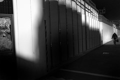 DSC03027C Street (soyokazeojisan) Tags: japan osaka city street light shadow people walk wall bw blackandwhite monochrome digital sony rx100ⅵ 2019
