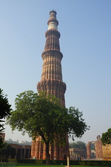 Qutb Minar (steve_whitmarsh (catching up after India)) Tags: city urban building architecture india delhi qutbminar