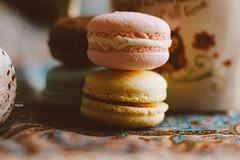 sweet twins (amuna_caty) Tags: macaron macarons photo photography photograph photographer picture sweet warm sweeti dessert yum canon color colors clear food nice