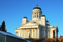 Helsinki Cathedral (www.ilkkajukarainen.fi) Tags: cathedral katedraali church kirkko senaatintori tori torget tuomaan markkinat photography fotography street kadut blue sky taivas sininen visit travel travelling