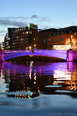 Leeds Bridge at Dusk (Bri_J) Tags: leeds westyorkshire uk yorkshire city nikon d7500 leedsbridge dusk riveraire river bridge reflection