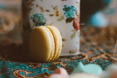 yellow beauty (amuna_caty) Tags: macaron macarons photo photography photograph photographer picture sweet warm sweeti dessert yum canon color colors clear food nice