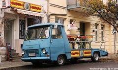 Peugeot J7 (XBXG) Tags: bcu7283h peugeot j7 peugeotj7 oprijwagen dépannage dépanneur dépanneuse blue bleu happy buddha schlegelstrase schlegelstrasse berlin mitte berlijn germany deutschland duitsland allemagne герма́ния vintage old classic french car auto automobile voiture ancienne française france frankrijk vehicle outdoor utilitaire flatbed camionplateau camion plateau