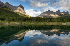 #33 - Quarry Lake, Canmore, Alberta (Richard Forward) Tags: quarry lake canmore canada reflection rockies mountains water tranquil