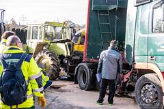 Unfall Traktordemo Wiesbaden 10.12.19 (Wiesbaden112.de) Tags: demontration elw lkw traktor unfall vu wiesbaden ölspur