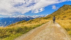 Walking (Federico Margallo) Tags: mountain nature walking green sky cloud autumn people walk footpath trekking nikon nikond7200 tamron tamron1750mm