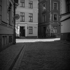 Riga (nikolaijan) Tags: yashica yashicamat 124g ilford panplus50 120 film riga 6x6 street bw estonia