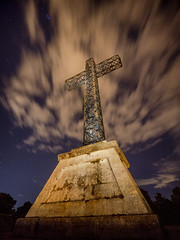 Cruz de la Ermita de San Cristofol (joaquinain) Tags: nightly nocturnas nubes clouds cruz cross alcoy alicante spain olympus omd em12 laowa longexposures largaexposición