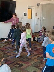 Dance Party! (Santa Cruz Public Libraries) Tags: scpl santacruzpubliclibraries santacruz santacruzpubliclibrary scottsvalleylibrary scottsvalleybranchlibrary scottsvalleybranch scottsvalley library libraryprogram storytime dance party preschool kids kidsprograms