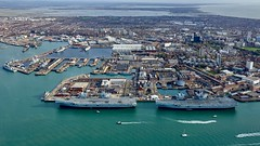 RX309887 (gosport_flyer) Tags: warships ships city pompey hampshire rn r08 r09 flightdeck