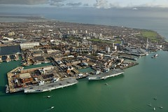 RX300305 (Andy Amor) Tags: hampshire city spinnaker tower water rn r08 r09 docks harbour hmnb naval