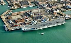 RX300277 (Andy Amor) Tags: ship warship rn r08 hmnb hampshire police boat docks