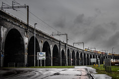 Cans & Boxes (Andrew Shenton) Tags: 86608 86614 4m25 widnes viaduct rain wet weather railway train 1z10