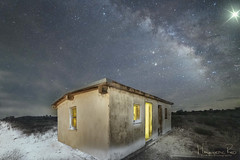Silent Night (magnetic_red) Tags: cabin shack building snow night star christmas milkyway stars