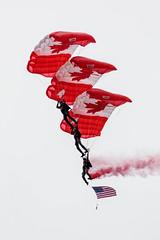 EDWU3770.jpg (edwjhwu) Tags: abbotsfordinternationalairshow skyhawksparachuteteam airshow cfskyhawks airplane aviation