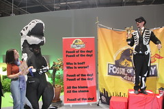 and sing the Fossil of the Day song at #COP25 - Dec 10 - IMG_7179 (John Englart (Takver)) Tags: fotd cop25 climate climatechange climateactionnetwork can australia fossiloftheday
