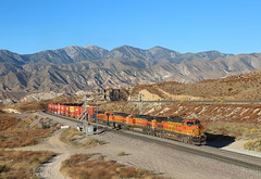 4152+5168+7629+4133, Hill 582 CA, 26 Oct 2019 (Mr Joseph Bloggs) Tags: bnsf burlington northern santa fe hill 582 cajon pass california usa united states america railroad zug vlak bahn train treno railway ge general electric c449w 4152 container intermodal 5168 7629 4133 hill582