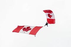 EDWU3776.jpg (edwjhwu) Tags: abbotsfordinternationalairshow skyhawksparachuteteam airshow cfskyhawks airplane aviation