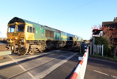 Freightliner x2 66564 & 66539 9th December 2019 Finningley Wroot Road (3) (asdofdsa) Tags: trains locomotive railway finningley levelcrossing freight transport containers lincolnline freightliner 66564 66539