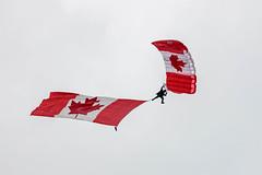 EDWU3777.jpg (edwjhwu) Tags: abbotsfordinternationalairshow skyhawksparachuteteam airshow cfskyhawks airplane aviation
