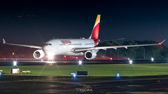 Iberia A330 (degupukas) Tags: avgeek airbus aircraft planespotter planespotting airplane iberia a330