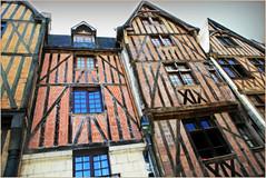 Place Plumereau, Tours, Indre-et-Loire, France (claude lina) Tags: claudelina france indreetloire tours maisons houses architecture colombage