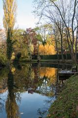 Herbst an der Oker (Teelicht) Tags: braunschweig deutschland fluss germany herbst herbstlaub laubfärbung lowersaxony niedersachsen oker park rimpausgarten spiegelung autumn fall foliagecoloring river