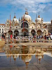 Venezia / Basilica di San Marco / Aqua Alta (Pantchoa) Tags: venise saintmarc place basilique ciel nuages reflet architecture religion eau aquaalta inondation vénétie
