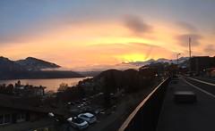 Morgenstimmung Thunersee, Spiez (22burriy) Tags: spiez thunersee morgen panorama sonne jungfraujoch eiger mönch niederhorn schloss wolken