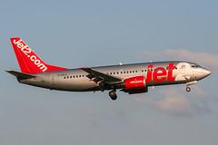 G-CELU (PlanePixNase) Tags: eddl dus dusseldorf düsseldorf airport aircraft planespotting lohhausen jet2 boeing 737 b733 737300 733