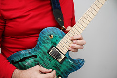 Day 3996 - Day 344 - Let It Snow! (rhome_music) Tags: draco carvin dragonburst quilttop guitarlove guitartuesday 365days 365days2019 365more daysin2019 photosin2019 365alumni year11 365daysyear11 dailyphoto photojournal dayinthelife 2019inphotos apicaday 2019yip photography canon canonphotography eos 7d