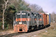 45_11_25_2002 (3)_crop_clean (railfanbear1) Tags: railroad train locomotive mec guilford