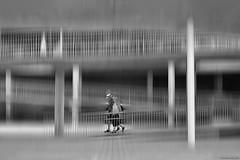 La bajada - The slope (ricardocarmonafdez) Tags: imaginación edición effect processing people urbanshot color movement simetría symmetry nikon d850 lineas lines monocromo monochrome bn bw blackandwhite absoluteblackandwhite