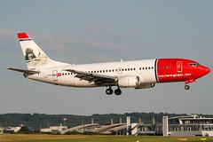 LN-KKG (PlanePixNase) Tags: eddl dus dusseldorf düsseldorf airport aircraft planespotting lohhausen norwegian boeing 737300 733 737 b733