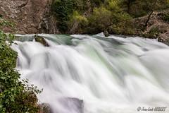 Résurgence de Fontaine de Vaucluse (jean-louis21) Tags: cascade fontaine vaucluse sorgue waterfall