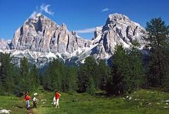 Tofana di Rozes, Tofana di Mezzo (Vid Pogacnik) Tags: italy italia dolomiti outdoors hiking landscape mountain tofanadirozes tofanadimezzo