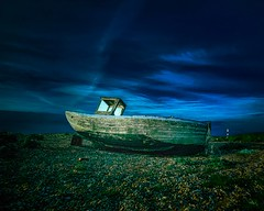 Abandoned Wooden Fishing Boat on the Shingle Beach at Dungeness (Roberto Veloso) Tags: kentengland dungeness dungenessbeach shinglebeach abandoned rusted ruins old fishingboat boat woodenboat
