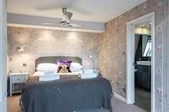 17-20191210 - pkp - UTDM - Chancellors Wharf - Bedroom 1 and On suite -4 - High Res (UnderTheDoormat) Tags: chancellorswharf paulporter utdm hammersmith london paulkporter paulkporterphotography property riverthames
