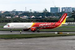 VietJet Air - Airbus A321-211 / VN-A639 @ Manila (Miguel Cenon) Tags: vietjetair vietjetaira321 vjca321 vna639 rpll 30thseagames seagames airplane airplanespotting apegroup appgroup airport aircraft airbus aviation airbusa320 airbusa321 a320 a321 wings wing window wheel winglet planespotting ppsg philippines plane manila nikon naia d3300 twinengine