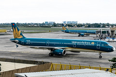 Vietnam Airlines - Airbus A321-231 / VN-A358 @ Manila (Miguel Cenon) Tags: vietnamairlines vna321 hvn rpll airplane airplanespotting apegroup appgroup airport aircraft airbus aviation airbusa320 airbusa321 a320 a321 planespotting ppsg philippines plane manila nikon naia narrowbody d3300 wings wing window wheel winglet twinengine seagames 30thseagames vna358