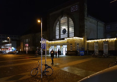 Moenchengladbach Hauptbahnhof (borntobewild1946) Tags: copyrightbyberndloosborntobewild1946 mönchengladbach moenchengladbach niederrhein nrw nordrheinwestfalen moenchengladbacheuropaplatz mönchengladbachhbf