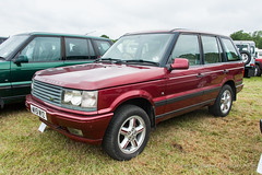 Range-Rover 'Bordeaux' Limited Edition - 2001 (Perico001) Tags: alfold engeland verenigdkoninkrijk p38a sallpamm31a458942 bordeauxlimitededition 2001 rangerover auto automobil automobile automobiles car voiture vehicle véhicule wagen pkw automotive nikon d700 2019 ausstellung exhibition exposition expo verkehrausstellung carshow autoshow 4x4 4wd awd allrad allwheeldrive landrover solihull england uk unitedkingdom greatbritain grootbrittannië allterrain offroad 2015 thedunsfoldcollection dunsfold surrey