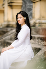 CHOW8966 (Call me CHOW) Tags: happy dress beauty blond female long hair carefree young women wavy fashion model beautiful people portrait ao dai aodai girl hanoi vietnam sunny yearbook smilling smile sunset lookbook pretty posing face