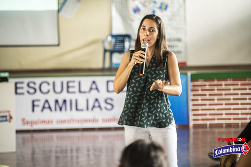 "Escuela de Familia La Paila • <a style=""font-size:0.8em;"" href=""http://www.flickr.com/photos/154096252@N04/49204407251/"" target=""_blank"">View on Flickr</a>"