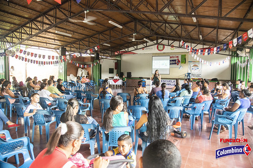 "Escuela de Familia La Paila • <a style=""font-size:0.8em;"" href=""http://www.flickr.com/photos/154096252@N04/49204613237/"" target=""_blank"">View on Flickr</a>"