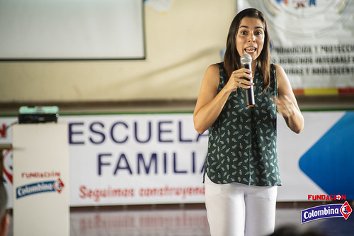 "Escuela de Familia La Paila • <a style=""font-size:0.8em;"" href=""http://www.flickr.com/photos/154096252@N04/49204619922/"" target=""_blank"">View on Flickr</a>"